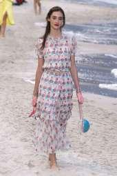 Amanda Googe Chanel Spring 2019 Ready-to-Wear