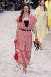 Alexandra Micu Chanel Spring 2019 Ready-to-Wear