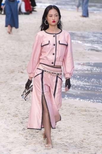 Jing Wen Chanel Spring 2019 Ready-to-Wear