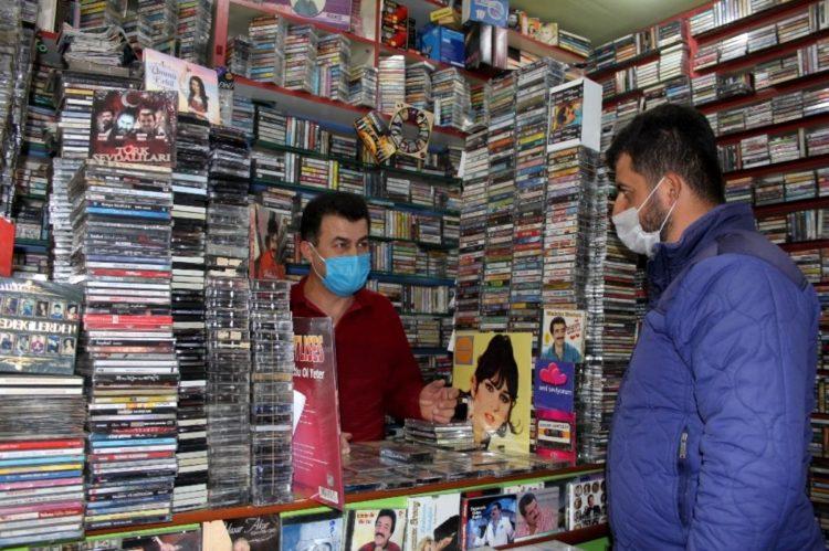 Müzikteki dijitalleşmeden etkilenmedi, 40 yıldır kaset satıyor
