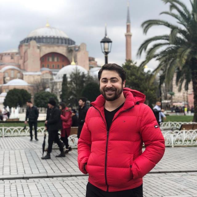 Semih Öztürk, eşi Kurretülayn Matur'un uzun aşk mesajına verdiği yanıtla herkesi şaşırttı