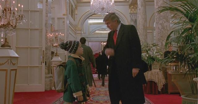 Evde Tek Başına'nın oyuncusu Macaulay Culkin, 'Donald Trump'ın sahnesi filmden çıkarılsın' kampanyasına destek verdi