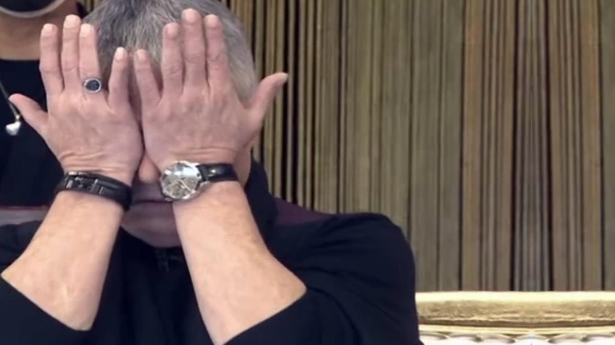 Cengiz Kurtoğlu ağlayarak anlattı: Üvey annem beni buz gibi suyla banyo yaptırır ve döverdi