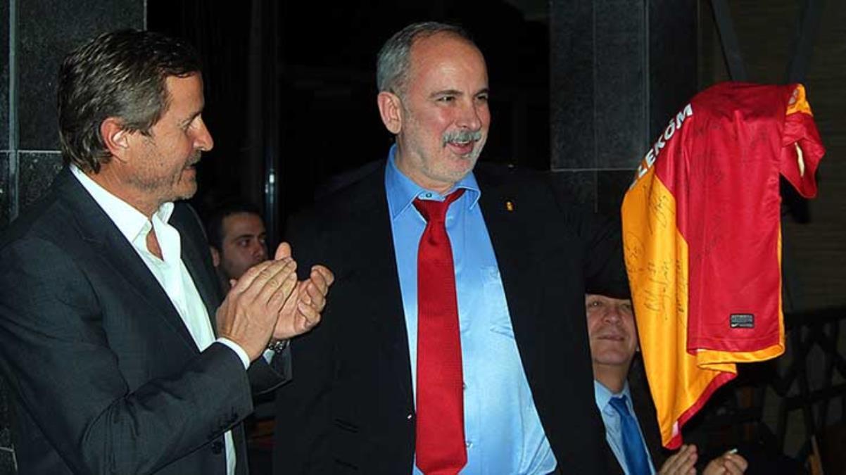 Bugün hayatını kaybeden futbolcu Erhan Önal, oyuncu Bige Önal'ın babası çıktı
