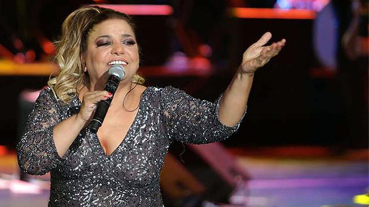 Şarkıcı Kibariye uçakta fenalaştı, hayranlarını korkuttu