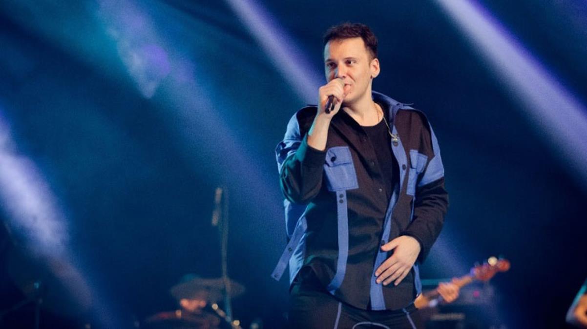 Şarkıcı Edis, eski menajerlik şirketinin kendisine açtığı davayı kaybetti! 1 milyon TL'den fazla tazminat ödeyecek